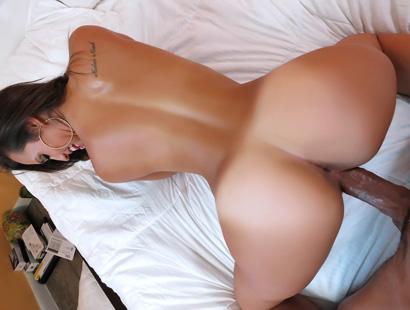 Kelsi Monroe - ShesNew