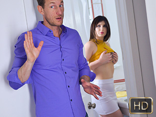 Paris Cummings in Babysitters First Cumshot - My Babysitters Club | Team Skeet