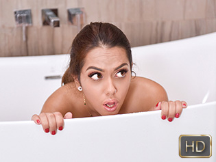 Esperanza Del Horno in Shrimpy Shower Shenanigans - Exxxtra Small | Team Skeet