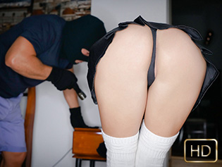 Anainda Hastar in Breaking And Entering Her Pussy - Oye Loca | Team Skeet