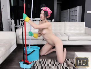 Liz Rainbow in Pipe Cleaners - Oye Loca | Team Skeet
