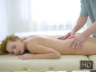 Emily in Trigger Point Pussy Massage - Rub A Teen | Team Skeet