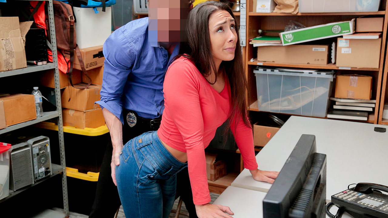 Shoplyfter – Case No. 1128285 – Lilly Hall