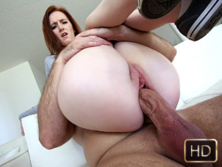 Dee Dee Lynn in Big Titty Ginger Gets Pounded - Titty Attack   Team Skeet