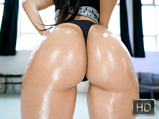 Andreina Deluxe in She Never Skips Ass Day - Teen Curves | Team Skeet