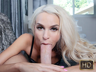 Emma Hix in World Record Cock Worshipper - This Girl Sucks | Team Skeet