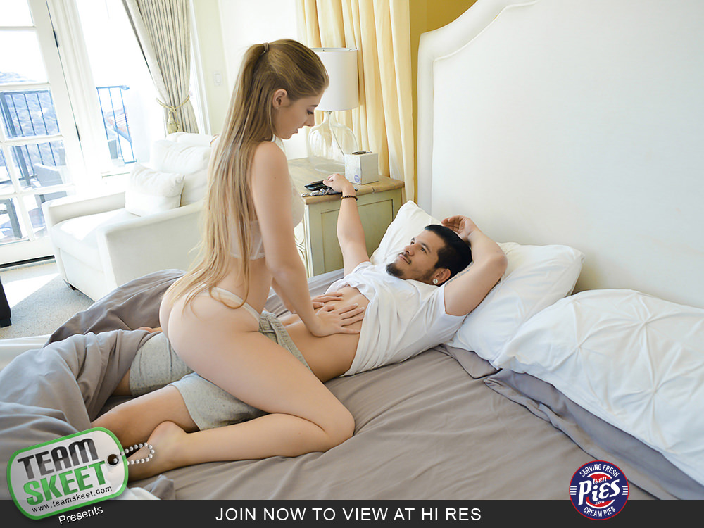 TeenPies – Penis Thigh Trap – Alyce Anderson