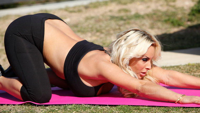 Therealworkout – Hitting The Right Angles – Holly Halston