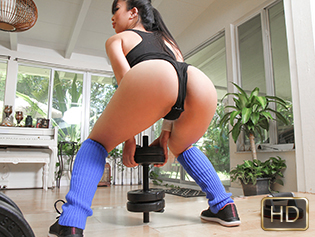 Jade Kush in The Realest Workout - The Real Workout | Team Skeet